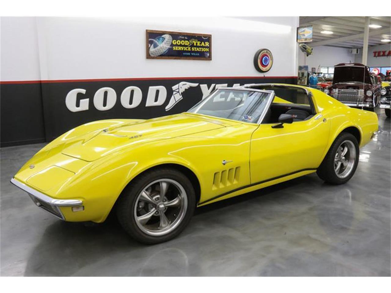Large Picture of '68 Corvette - MB9U