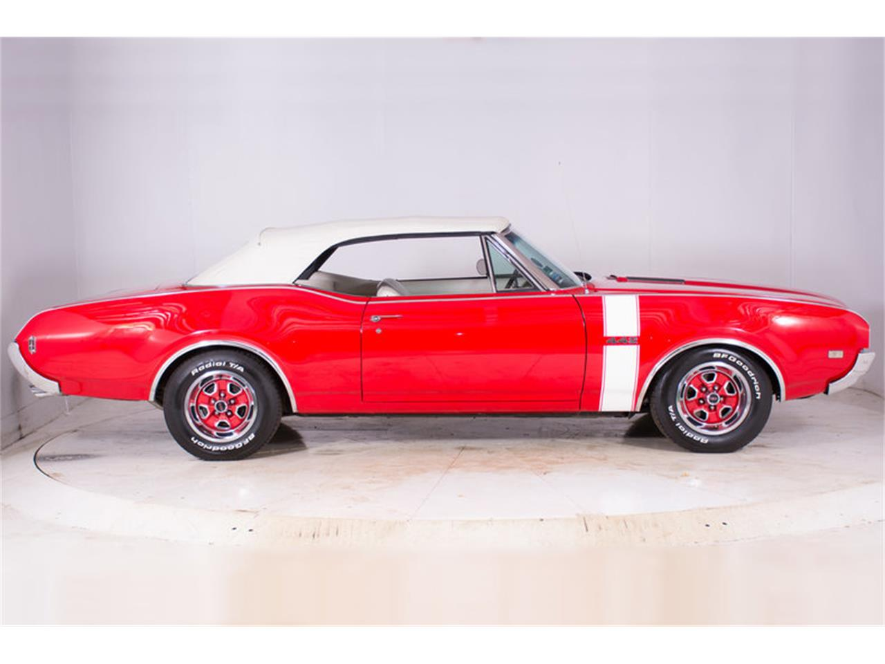 Large Picture of '68 442 located in Volo Illinois Offered by Volo Auto Museum - MBHG