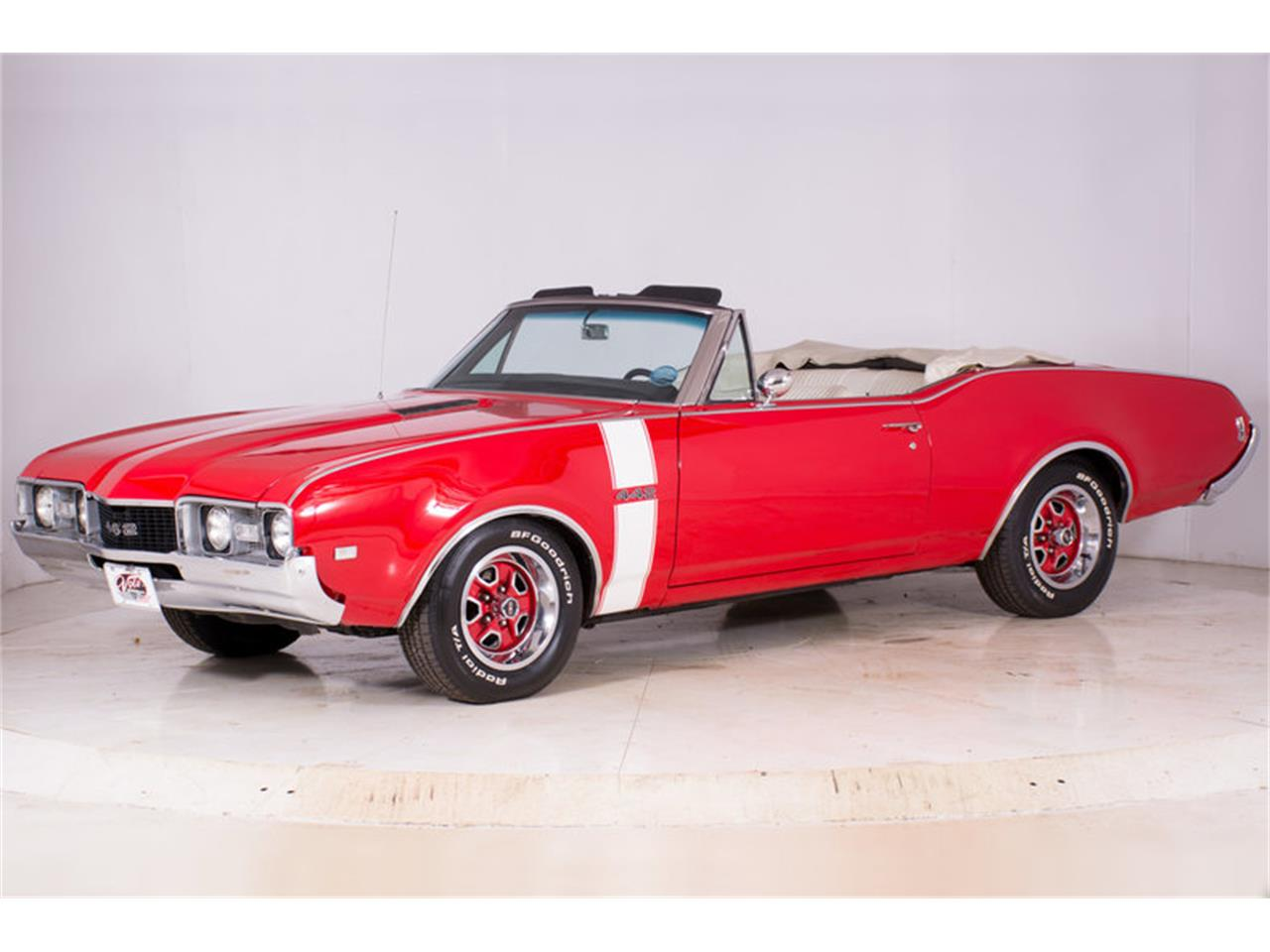 Large Picture of Classic '68 Oldsmobile 442 Offered by Volo Auto Museum - MBHG