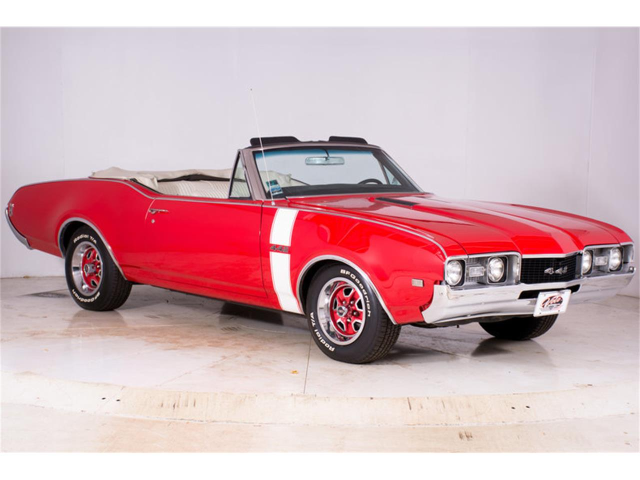 Large Picture of Classic '68 442 located in Volo Illinois Offered by Volo Auto Museum - MBHG