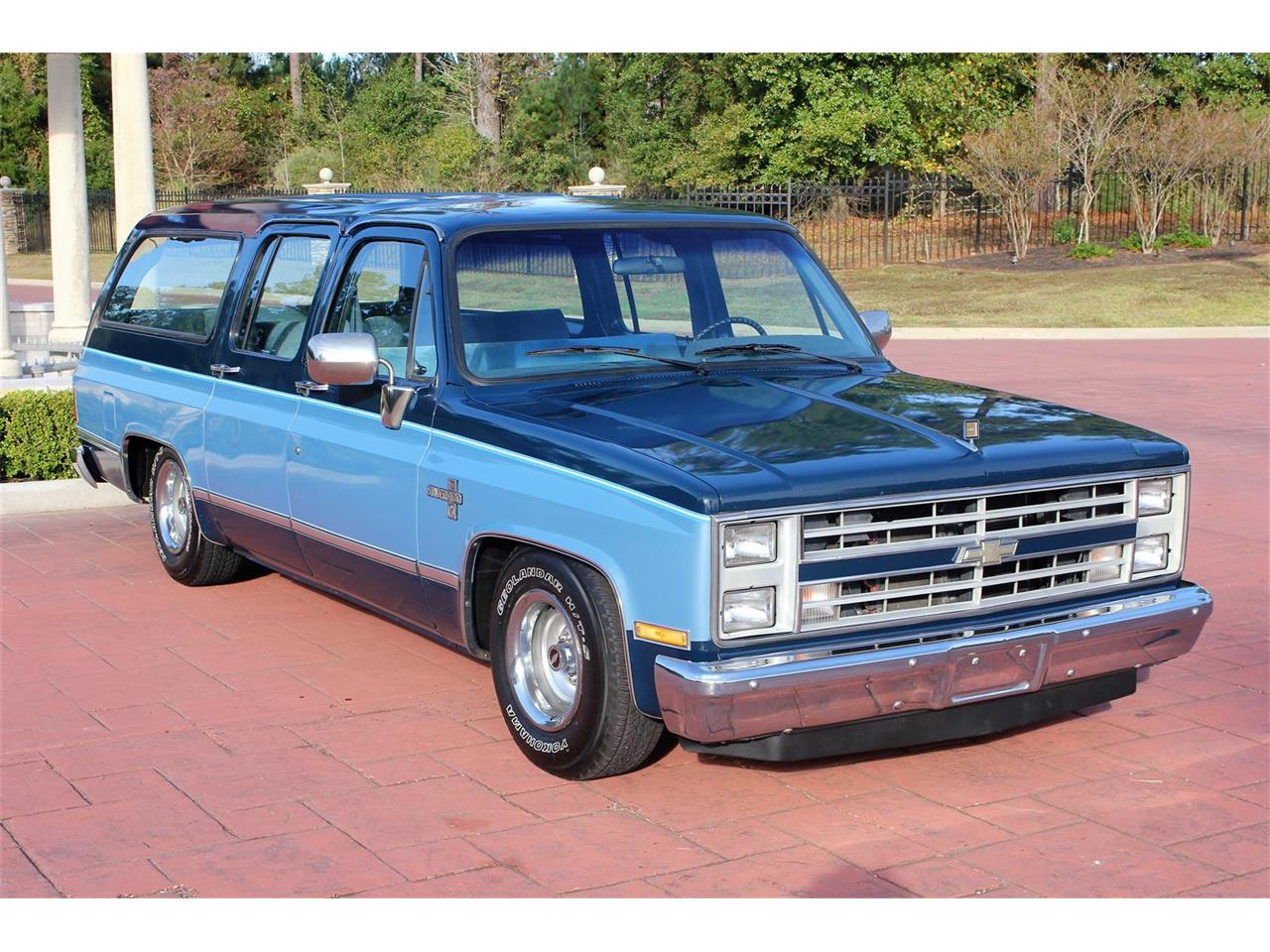 Large Picture of '87 Chevrolet Suburban located in Texas Offered by Texas Trucks and Classics - MBK7