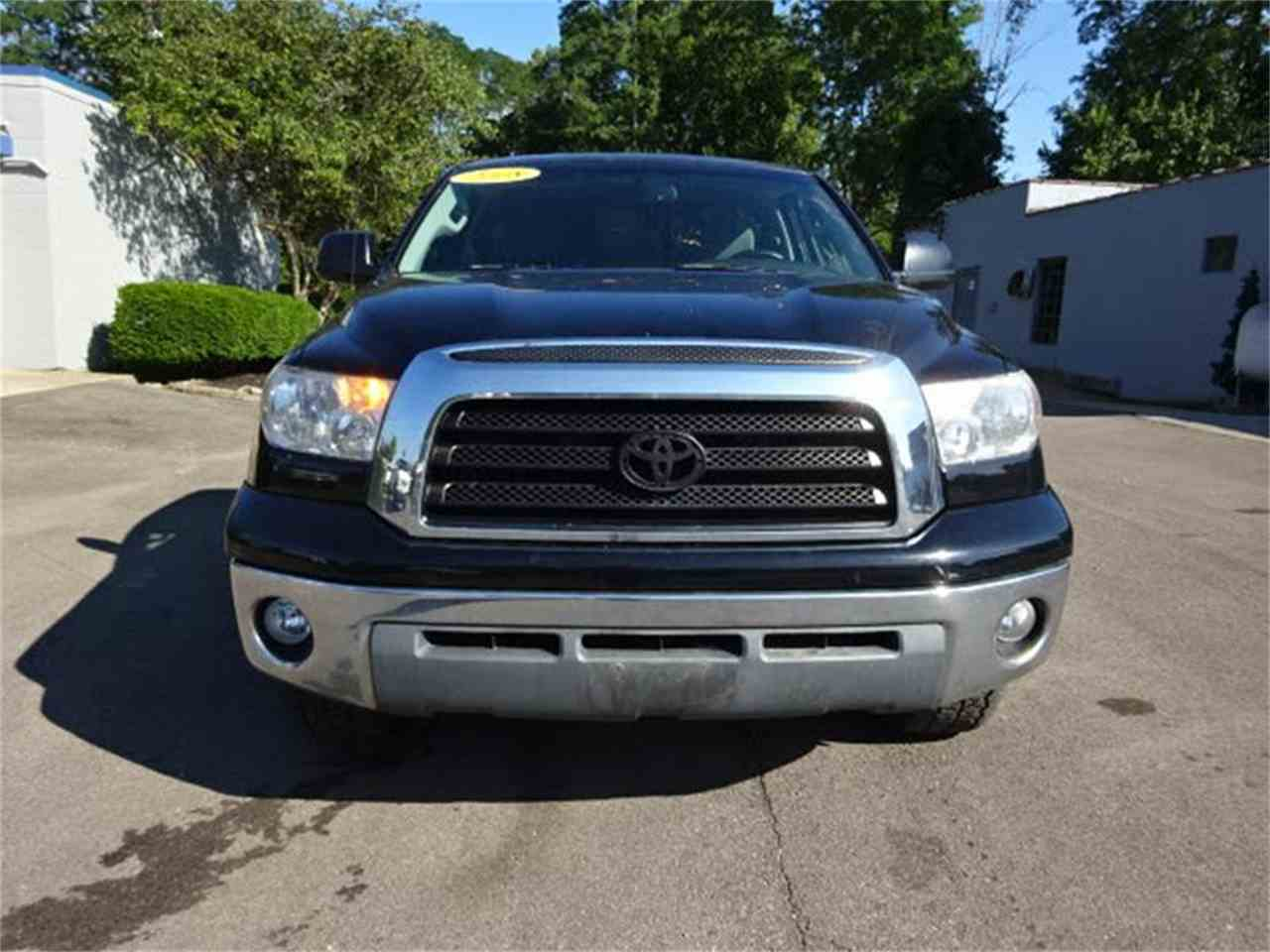 Large Picture of 2008 Toyota Tundra - $11,000.00 Offered by Cincinnati Auto Wholesale - MBKP
