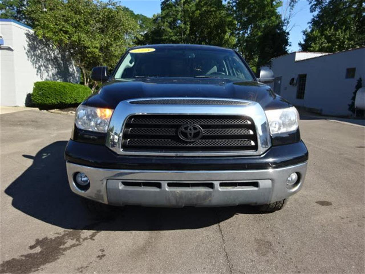 Large Picture of 2008 Toyota Tundra located in Loveland Ohio - $11,000.00 Offered by Cincinnati Auto Wholesale - MBKP