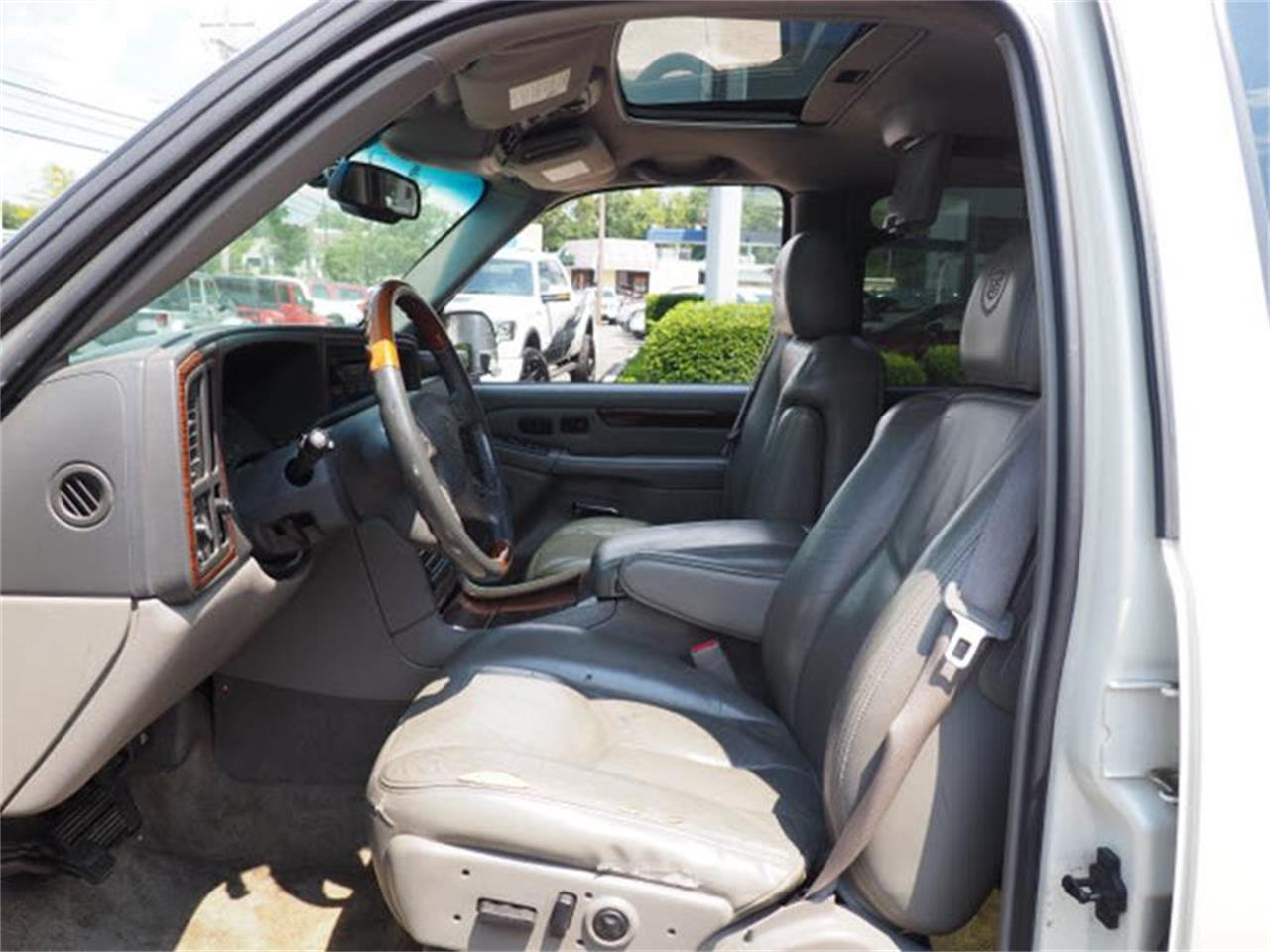 Large Picture of 2003 Cadillac Escalade located in Ohio - MBL6