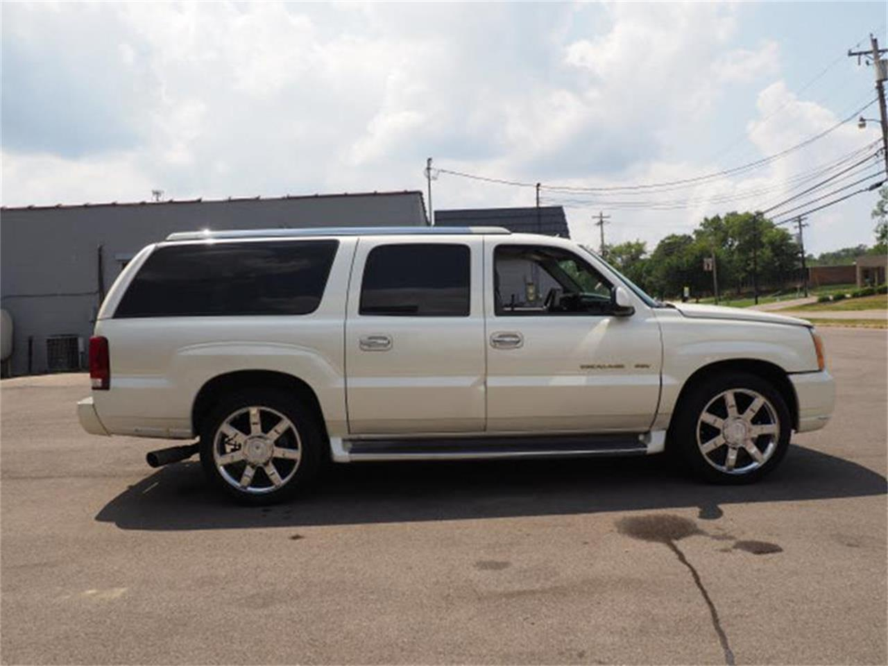 Large Picture of 2003 Escalade located in Ohio - MBL6