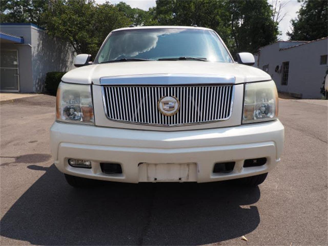 Large Picture of 2003 Cadillac Escalade located in Ohio Offered by Cincinnati Auto Wholesale - MBL6