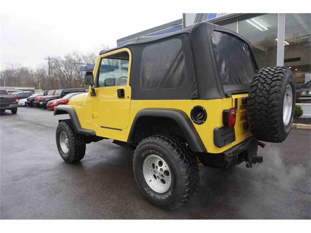 Large Picture of 2000 Jeep Wrangler located in Ohio - $6,995.00 Offered by Cincinnati Auto Wholesale - MBLA