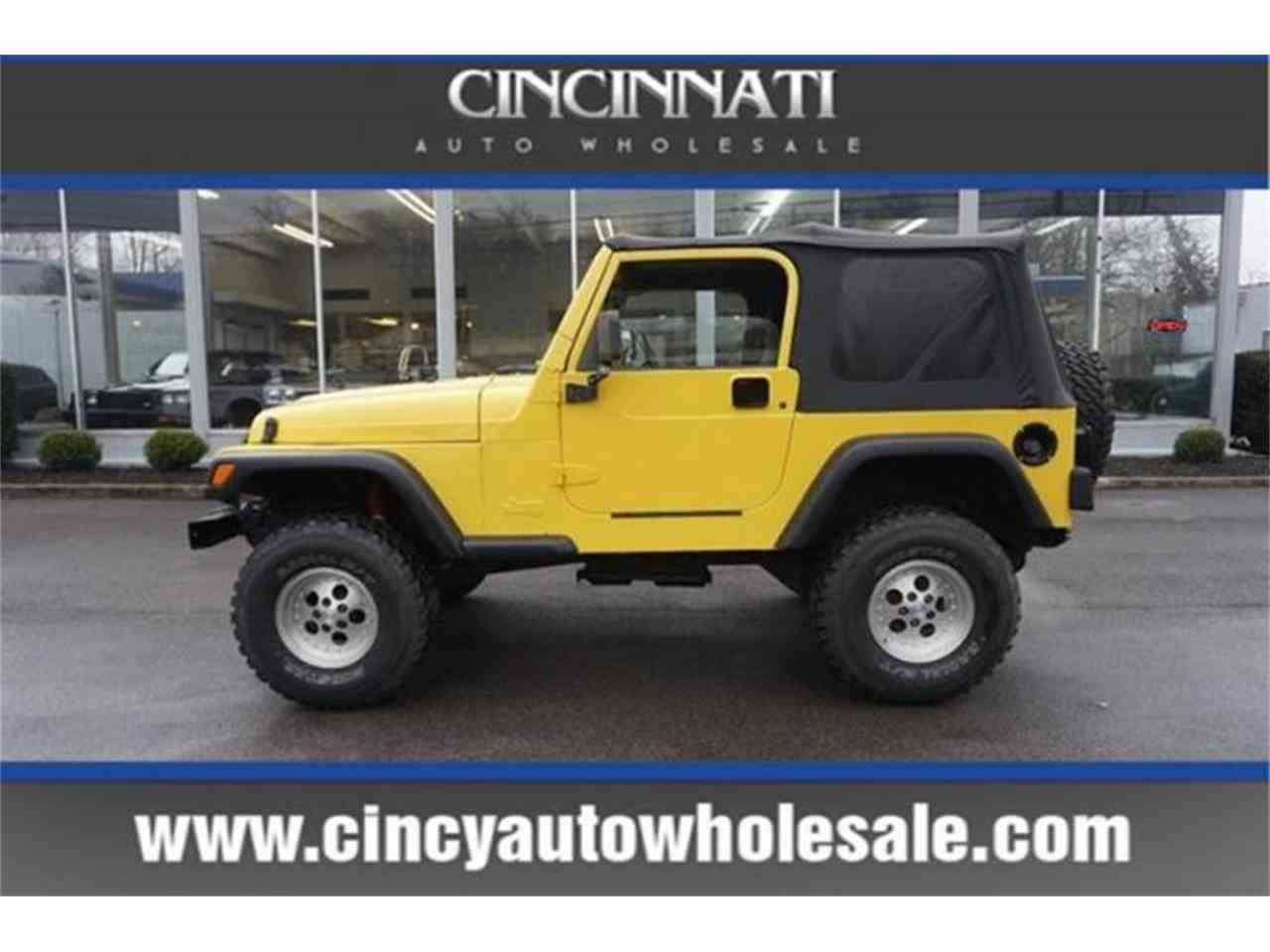 Large Picture of '00 Jeep Wrangler - $6,995.00 Offered by Cincinnati Auto Wholesale - MBLA