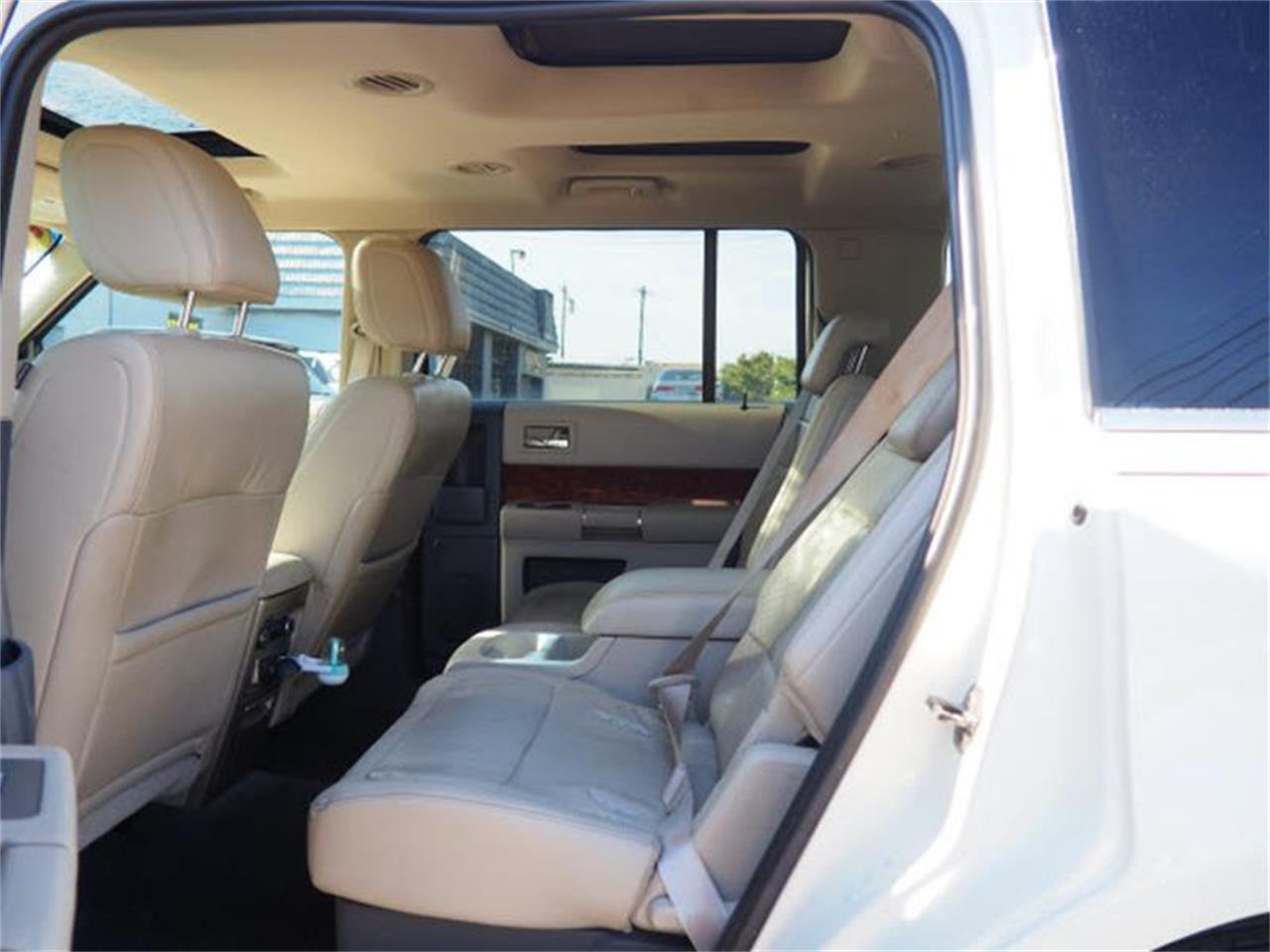 Large Picture of 2009 Ford Flex located in Ohio Offered by Cincinnati Auto Wholesale - MBN3