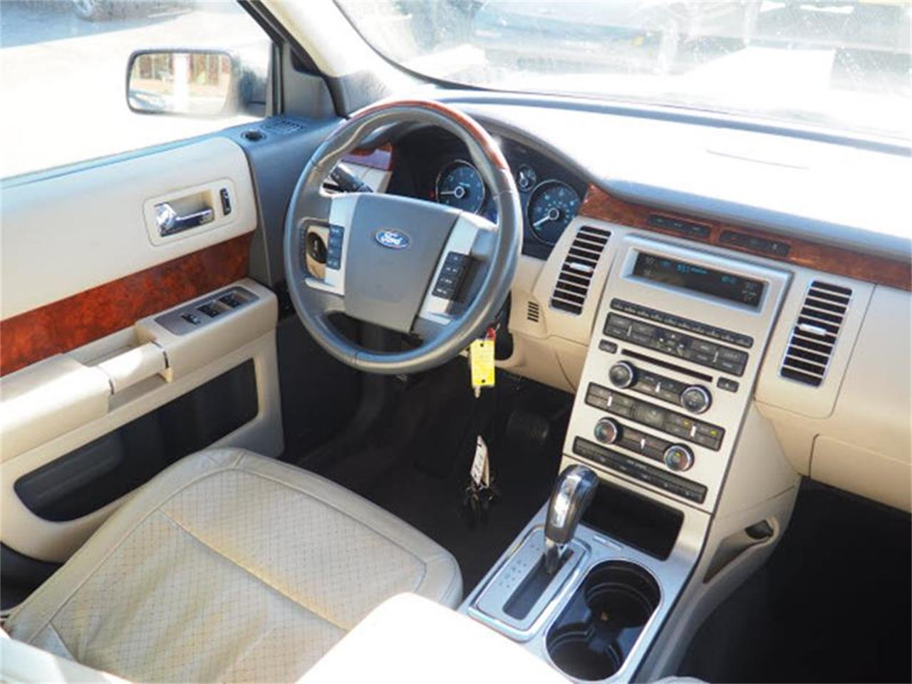 Large Picture of 2009 Ford Flex - MBN3