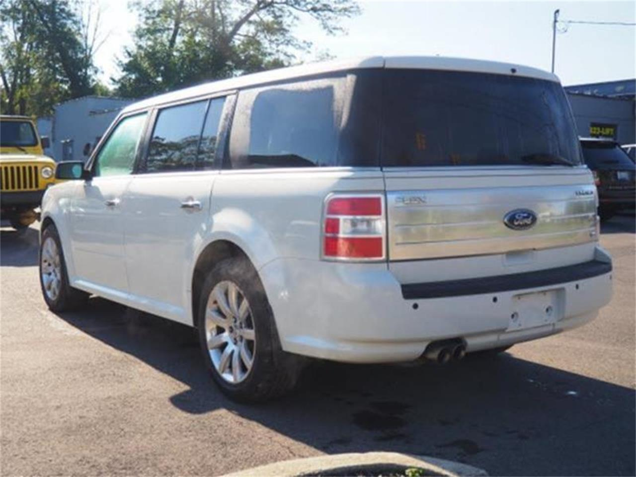 Large Picture of '09 Ford Flex Offered by Cincinnati Auto Wholesale - MBN3