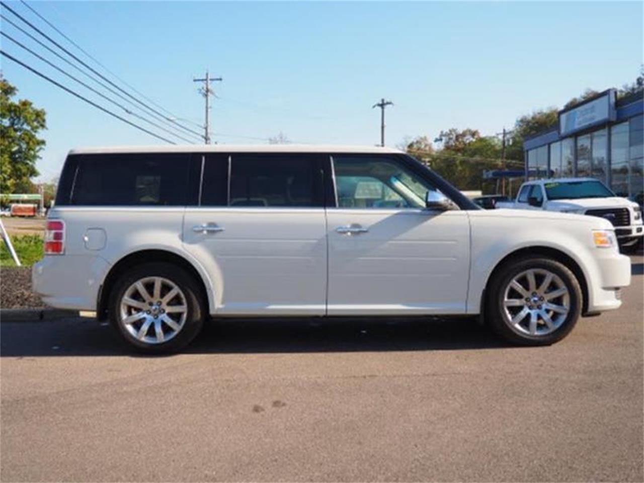 Large Picture of '09 Ford Flex - MBN3