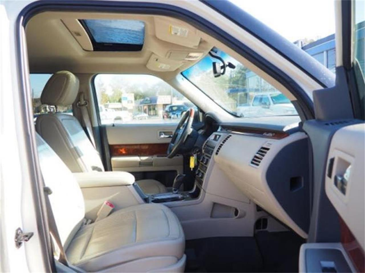 Large Picture of '09 Ford Flex - $8,900.00 Offered by Cincinnati Auto Wholesale - MBN3