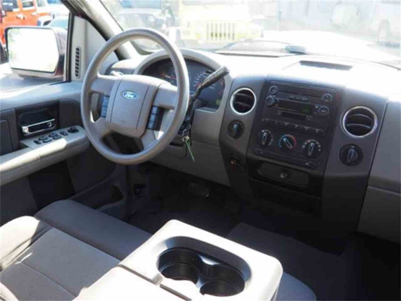 Large Picture of '04 Ford F150 located in Ohio Offered by Cincinnati Auto Wholesale - MBNE