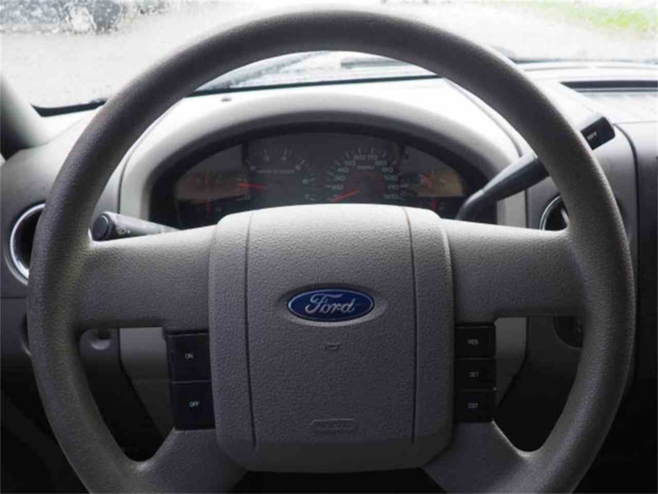 Large Picture of '06 Ford F150 Offered by Cincinnati Auto Wholesale - MBO4