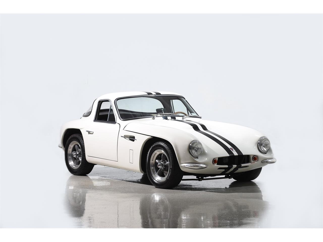 Large Picture of 1965 Series 200 Offered by Motorcar Classics - MBPC