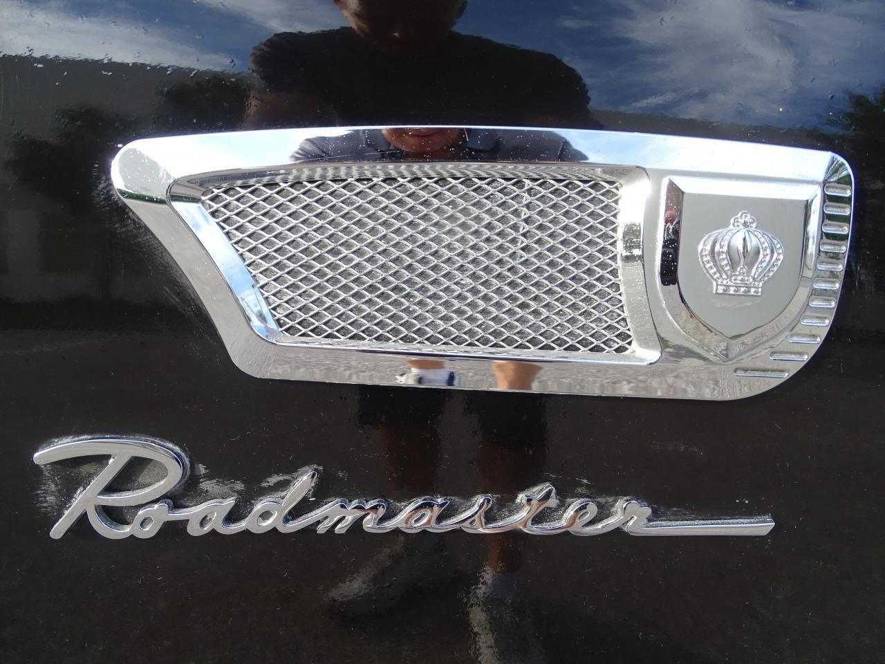 Large Picture of 1947 Buick Roadmaster - MBS8