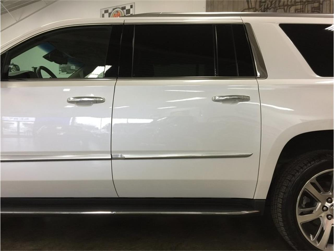 Large Picture of 2016 Cadillac Escalade located in Michigan Offered by Grand Rapids Classics - MBUZ