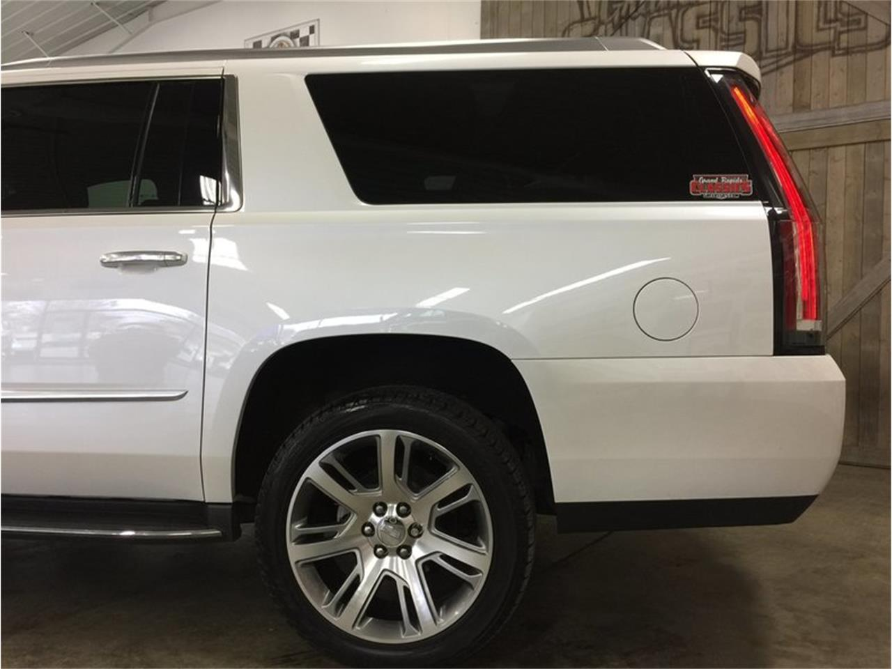 Large Picture of '16 Cadillac Escalade located in Michigan - $53,990.00 Offered by Grand Rapids Classics - MBUZ