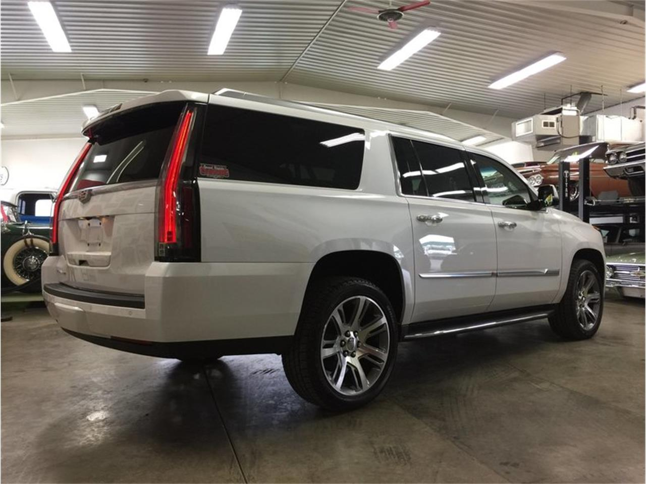 Large Picture of 2016 Cadillac Escalade located in Grand Rapids Michigan - $53,990.00 Offered by Grand Rapids Classics - MBUZ
