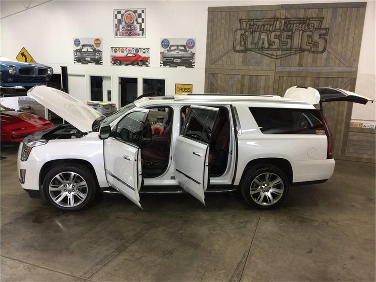 Large Picture of '16 Cadillac Escalade located in Grand Rapids Michigan - $53,990.00 Offered by Grand Rapids Classics - MBUZ