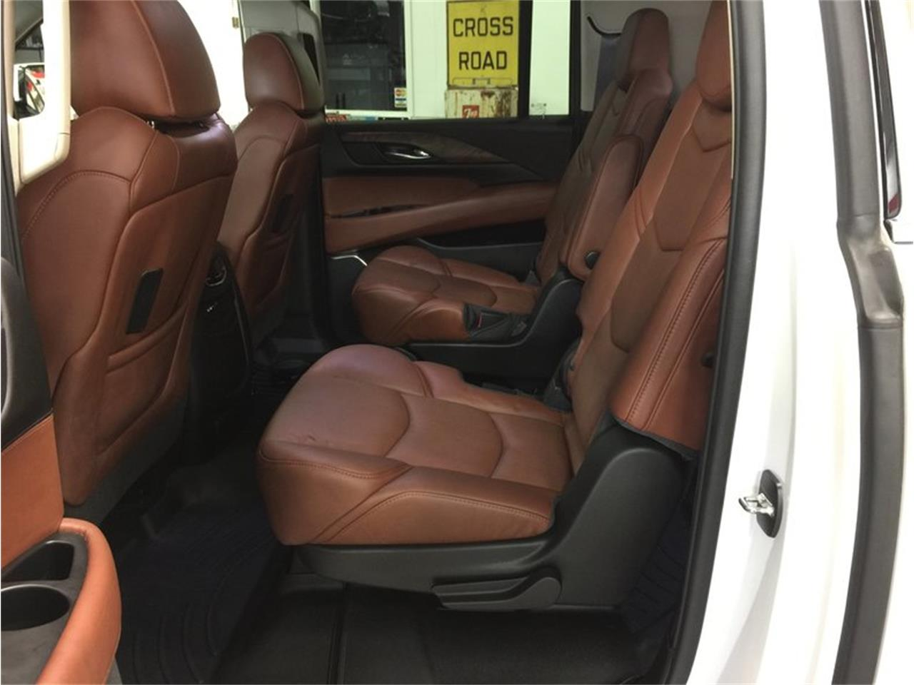 Large Picture of 2016 Escalade located in Grand Rapids Michigan - MBUZ