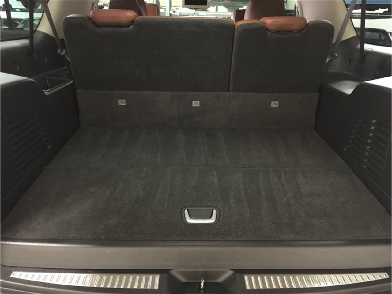 Large Picture of '16 Cadillac Escalade located in Michigan Offered by Grand Rapids Classics - MBUZ