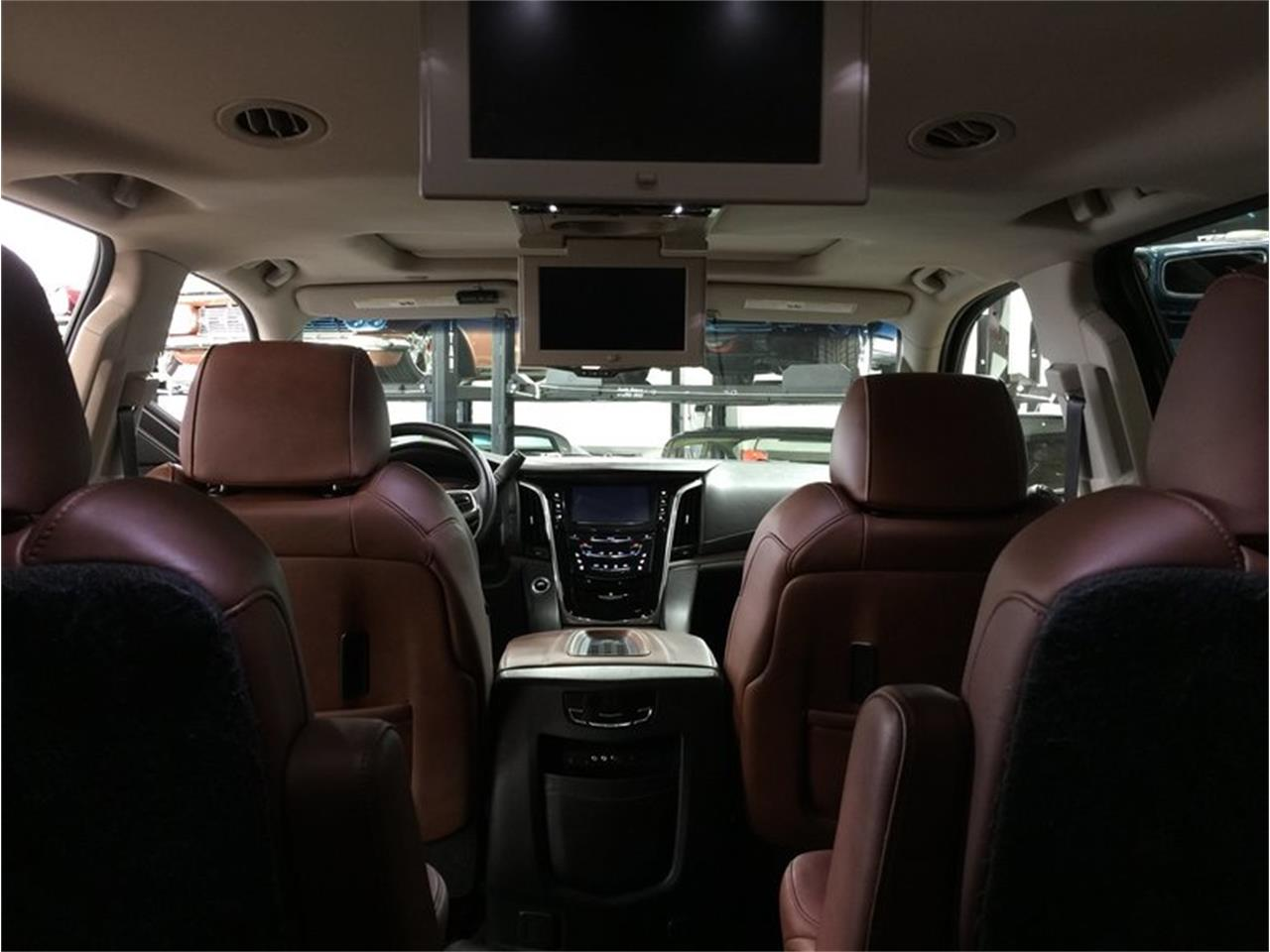 Large Picture of '16 Cadillac Escalade located in Michigan - $53,990.00 - MBUZ