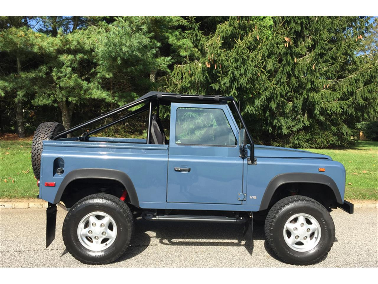 Large Picture of '97 Defender located in New York Offered by Aventura Motors - MC5M