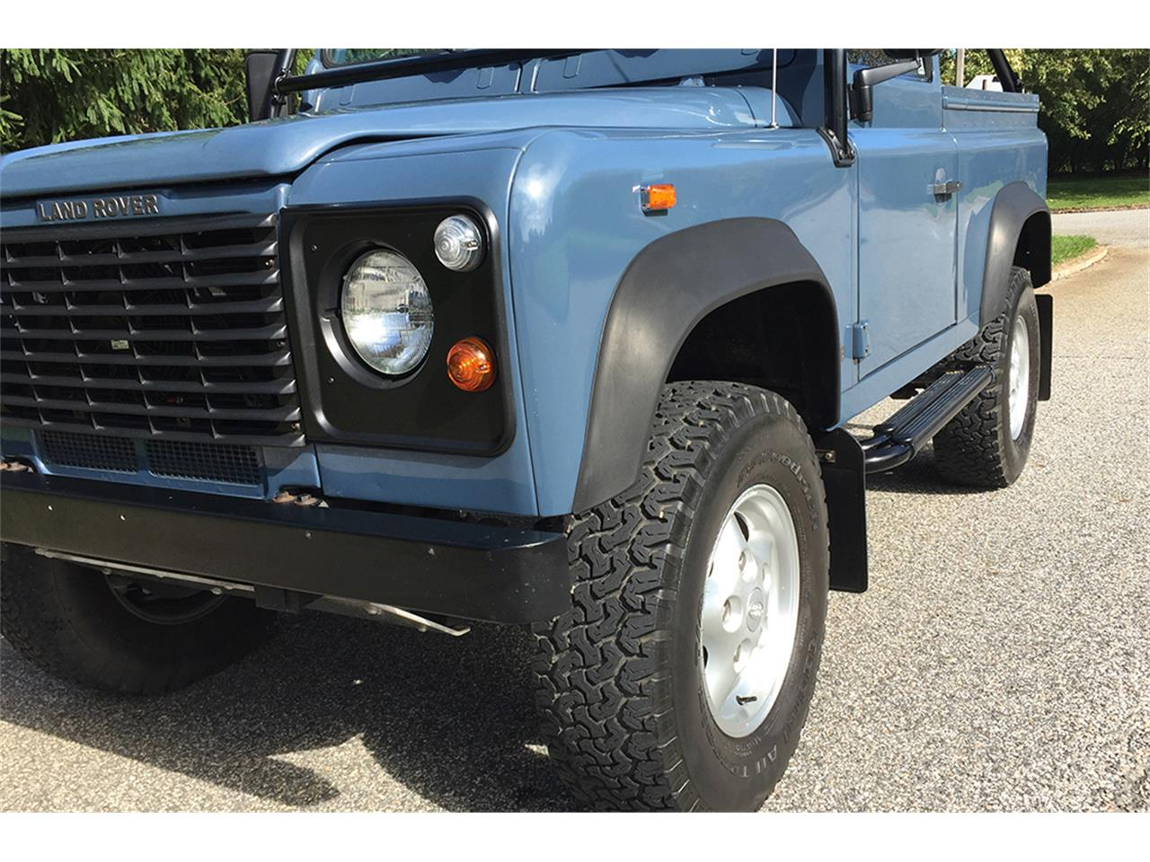 Large Picture of 1997 Defender located in Southampton New York - $89,000.00 - MC5M