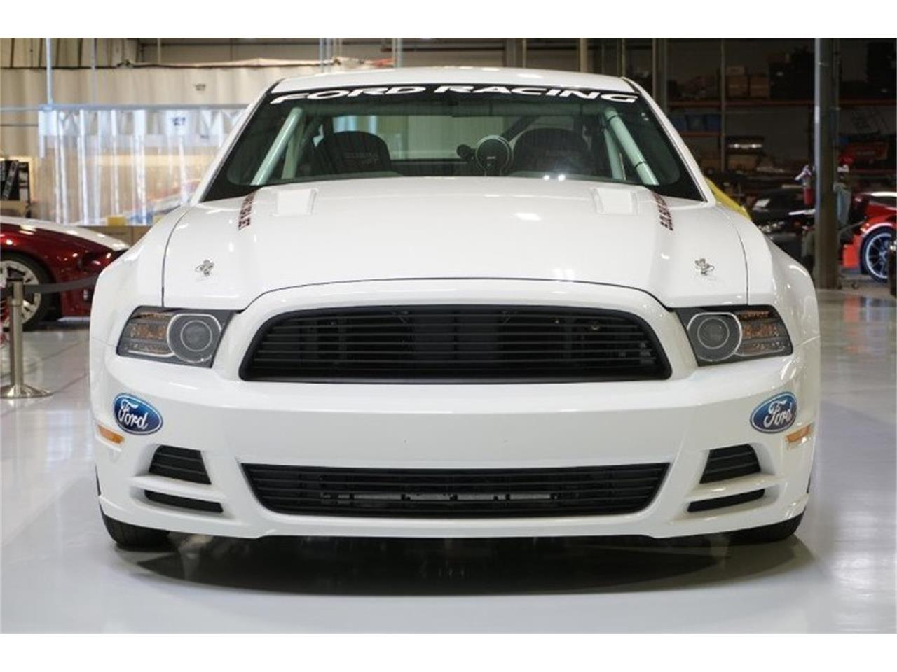 Large Picture of '14 Ford Mustang - MC66