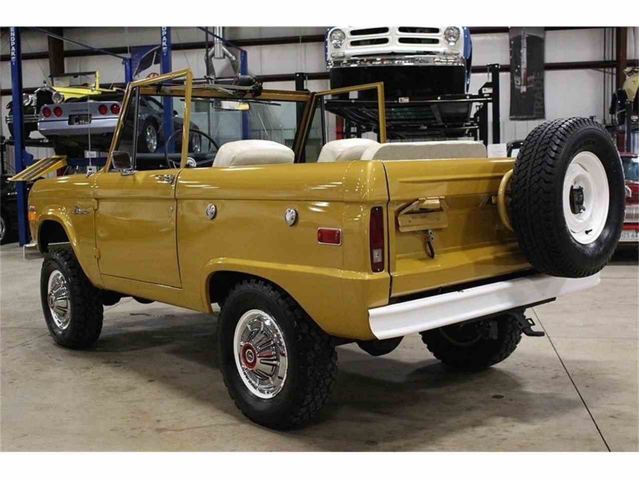 Large Picture of Classic 1970 Bronco located in Kentwood Michigan Offered by GR Auto Gallery - MC75