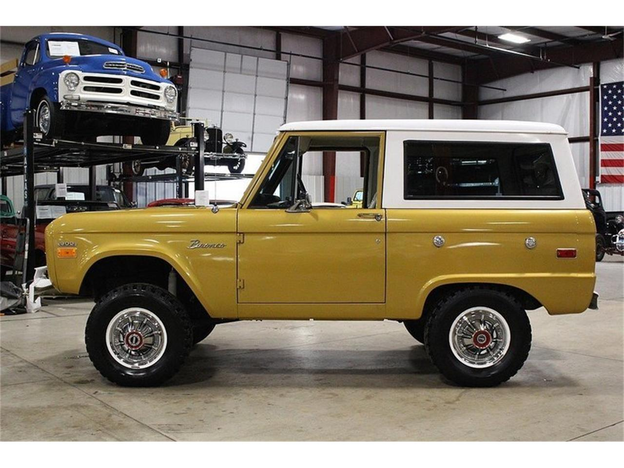 Large Picture of '70 Bronco - MC75