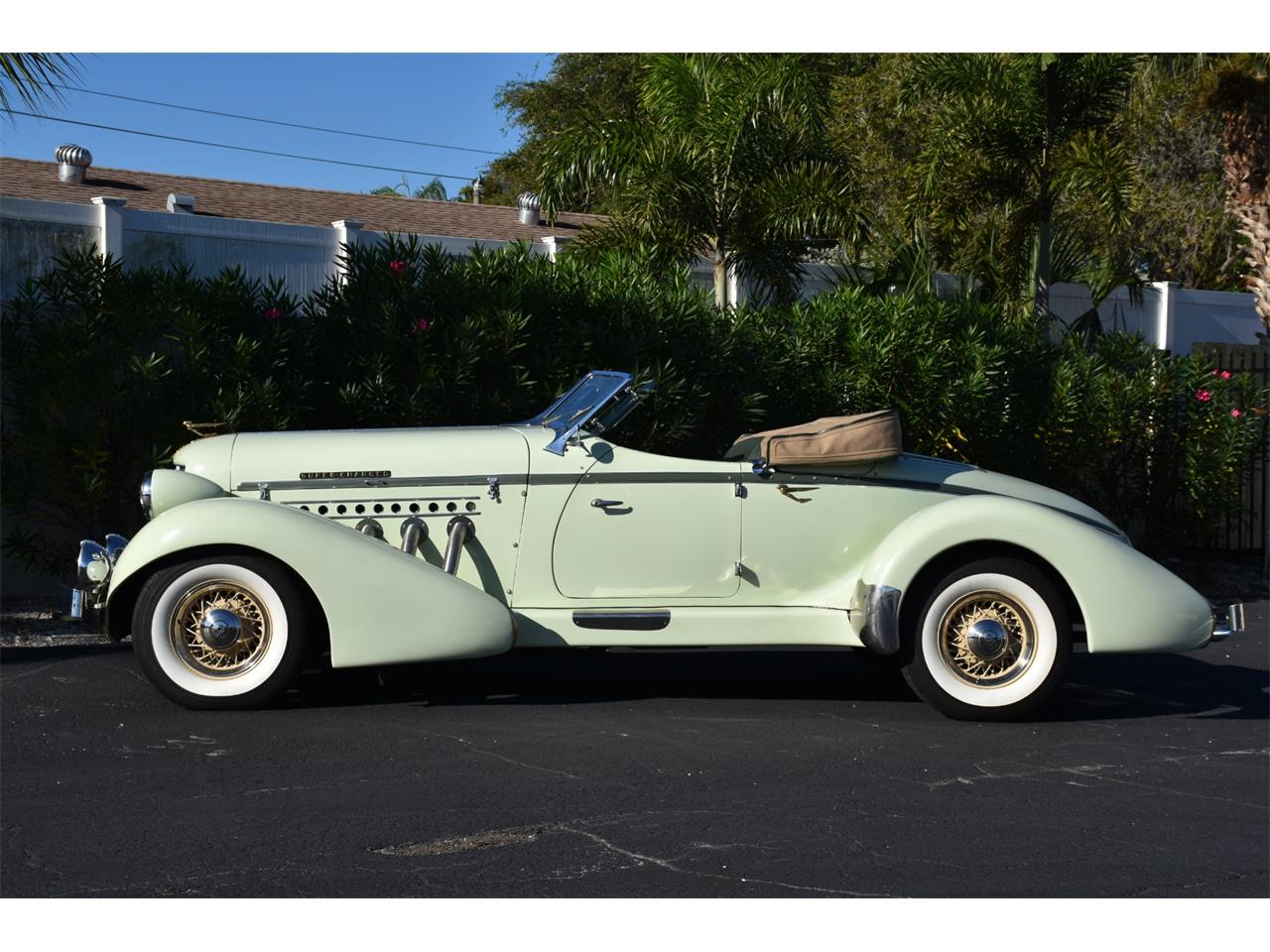 Large Picture of Classic '35 Boattail Auction Vehicle Offered by Ideal Classic Cars - MC9J