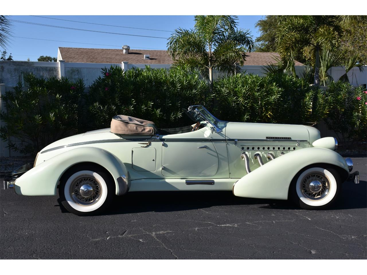 Large Picture of Classic 1935 Boattail located in Venice Florida - MC9J