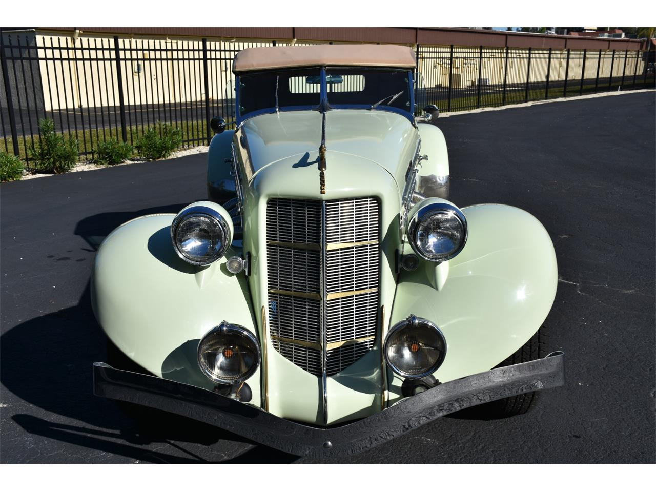 Large Picture of Classic '35 Boattail located in Florida Auction Vehicle - MC9J