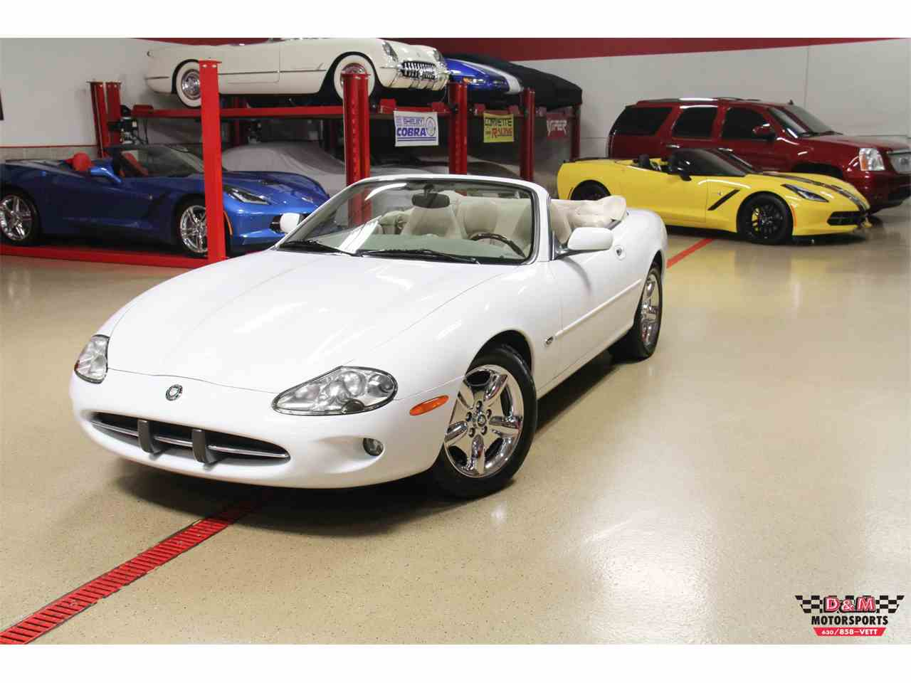 Large Picture of '98 Jaguar XK8 located in Glen Ellyn Illinois - $16,995.00 Offered by D & M Motorsports - MCA6