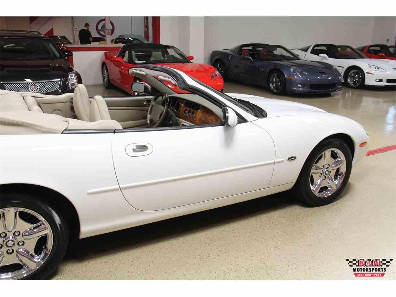 Large Picture of 1998 Jaguar XK8 located in Illinois - MCA6