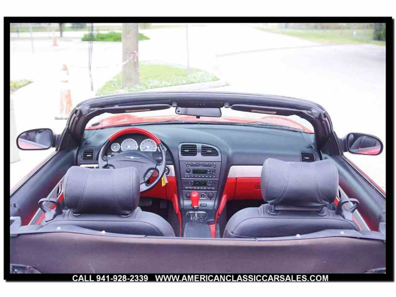 Large Picture of 2004 Thunderbird - MCAN
