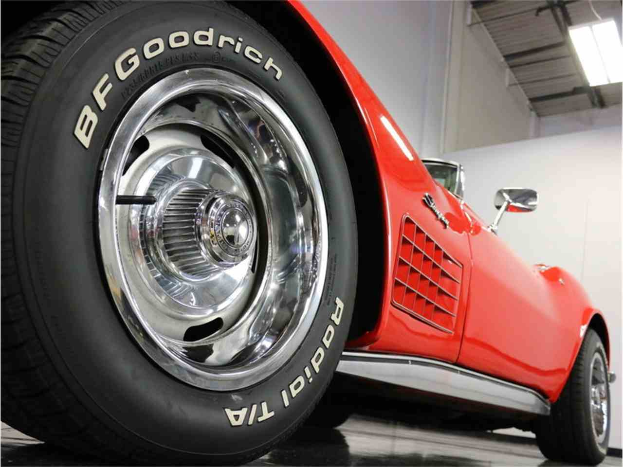 Large Picture of '71 Corvette - $37,995.00 Offered by Streetside Classics - Dallas / Fort Worth - MCB2