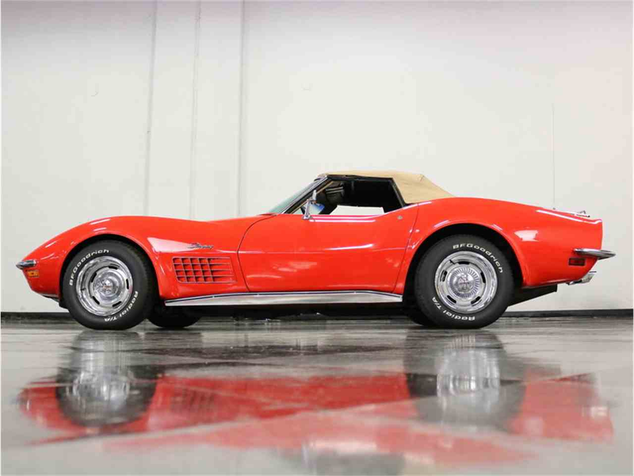 Large Picture of Classic 1971 Chevrolet Corvette located in Texas - $37,995.00 Offered by Streetside Classics - Dallas / Fort Worth - MCB2