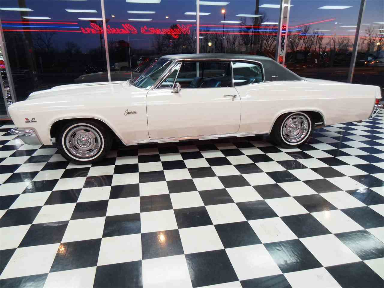 Large Picture of Classic '66 Caprice - MCBU