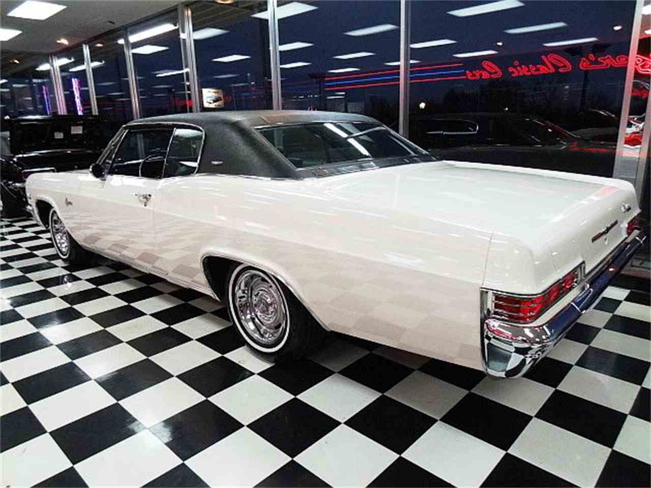 Large Picture of Classic '66 Chevrolet Caprice - $29,900.00 - MCBU