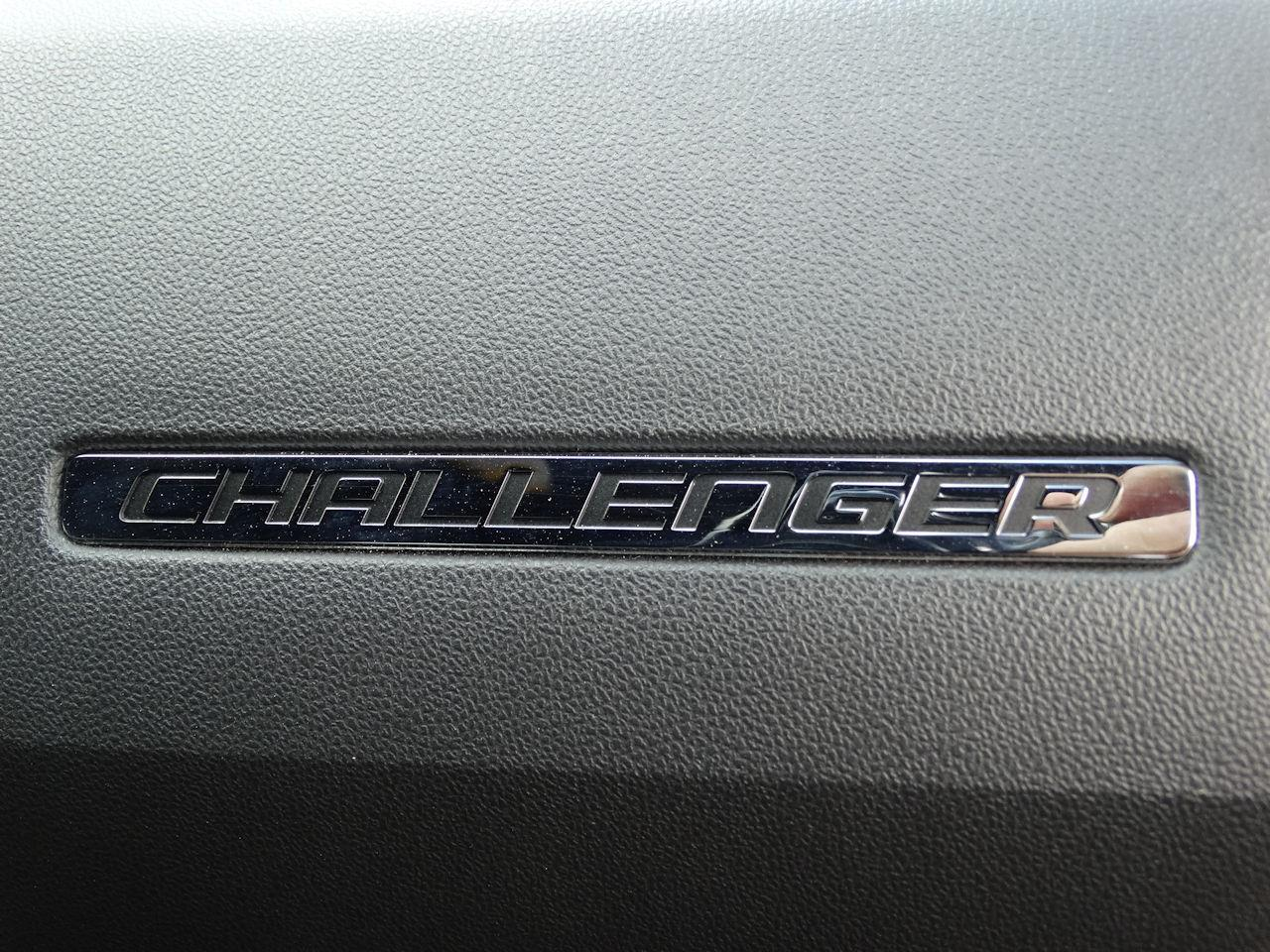 Large Picture of '09 Dodge Challenger located in Coral Springs Florida - MCFB