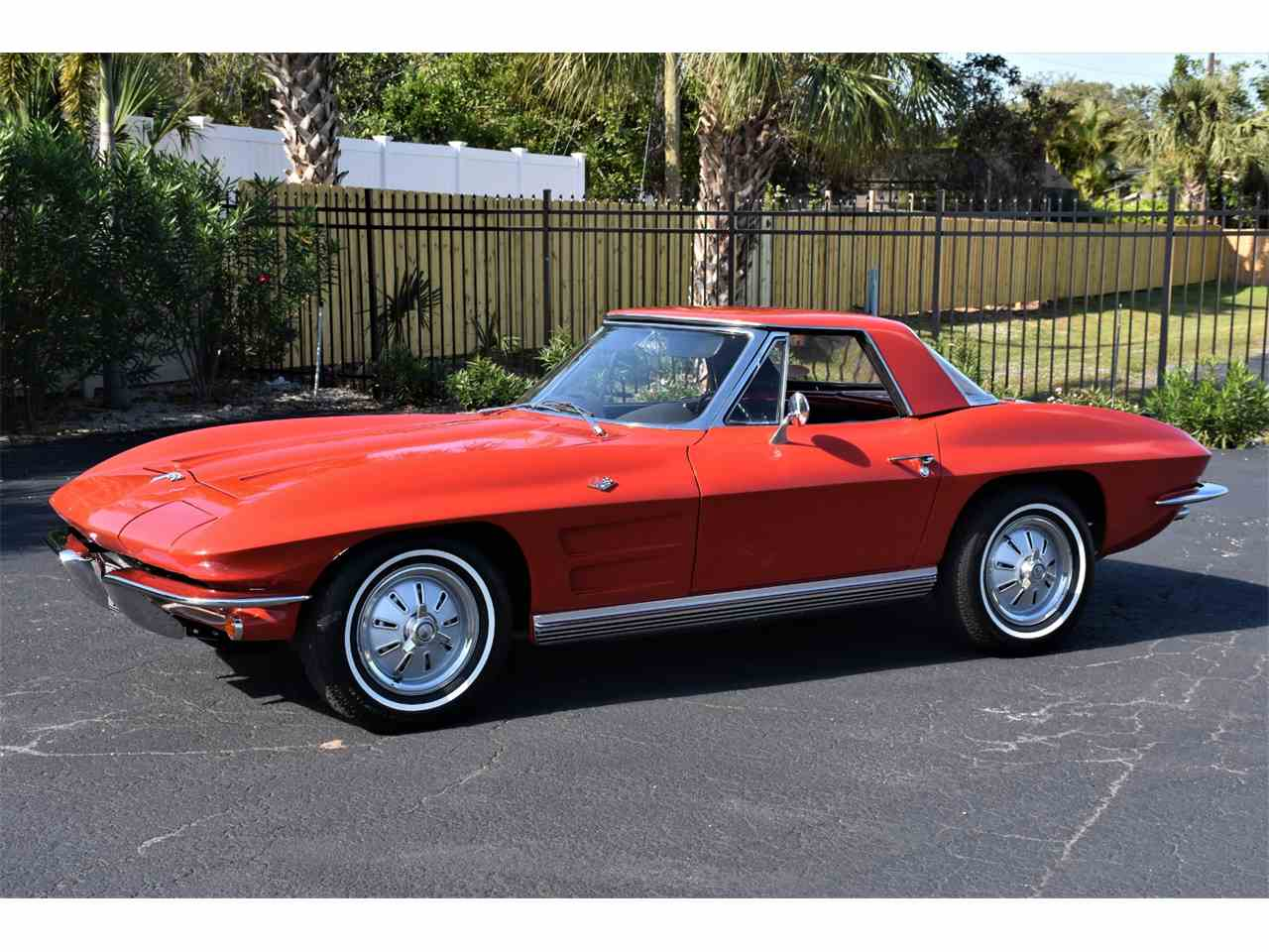 Large Picture of '64 Chevrolet Corvette Offered by Ideal Classic Cars - MCOS