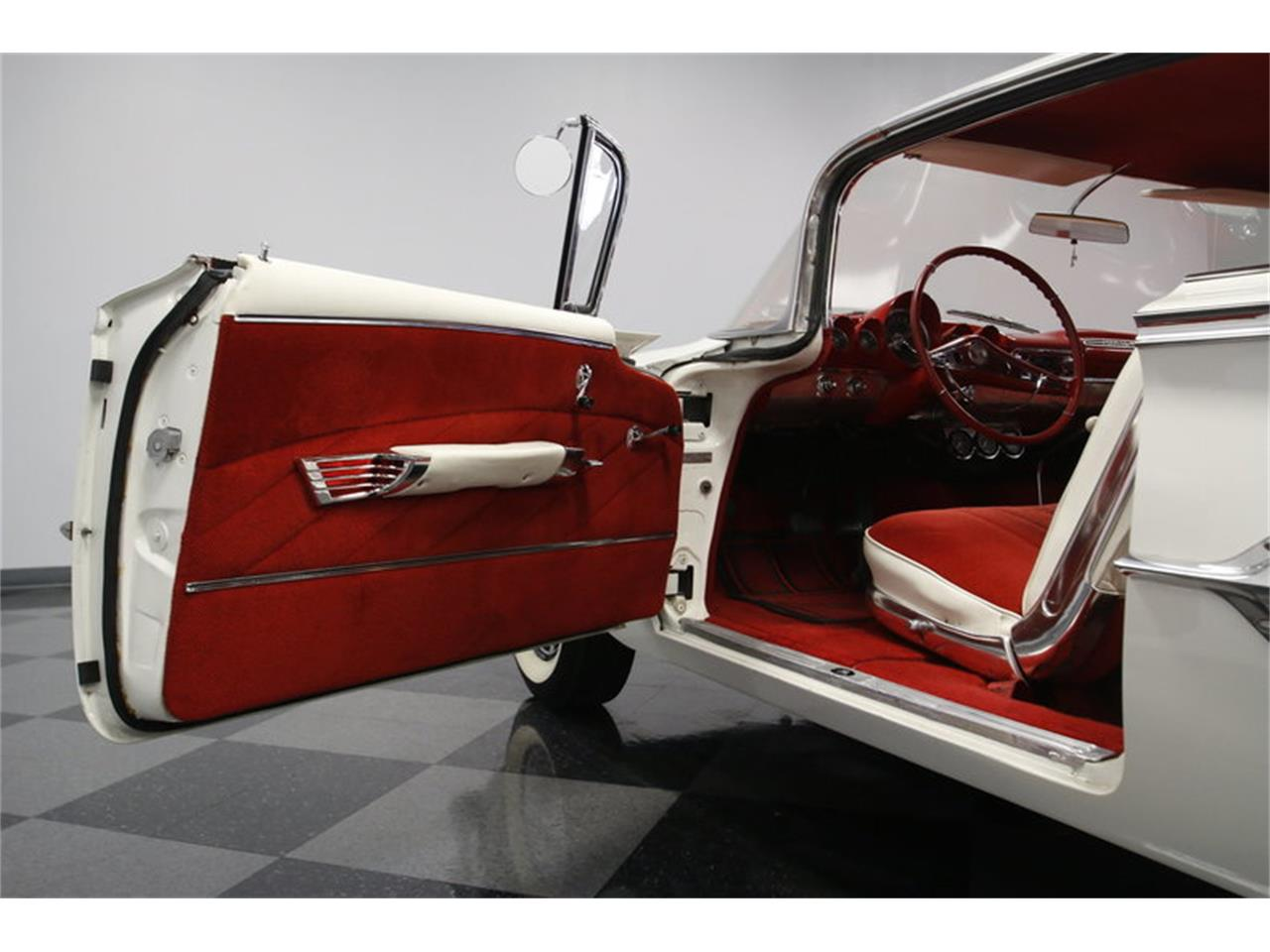 Large Picture of Classic '60 Chevrolet Impala - $36,995.00 - MAOZ