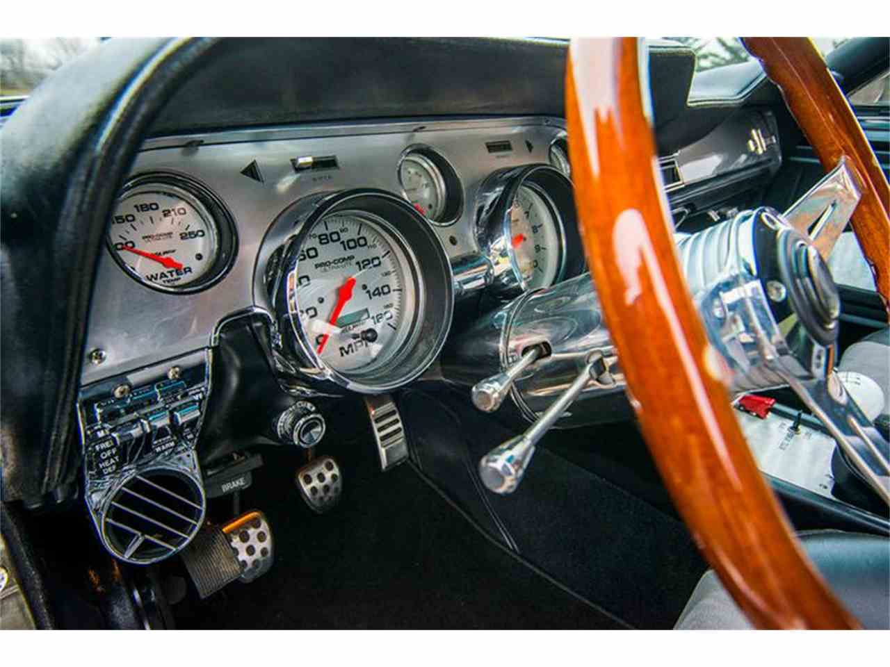 Large Picture of Classic '67 Ford Mustang - MCQ2