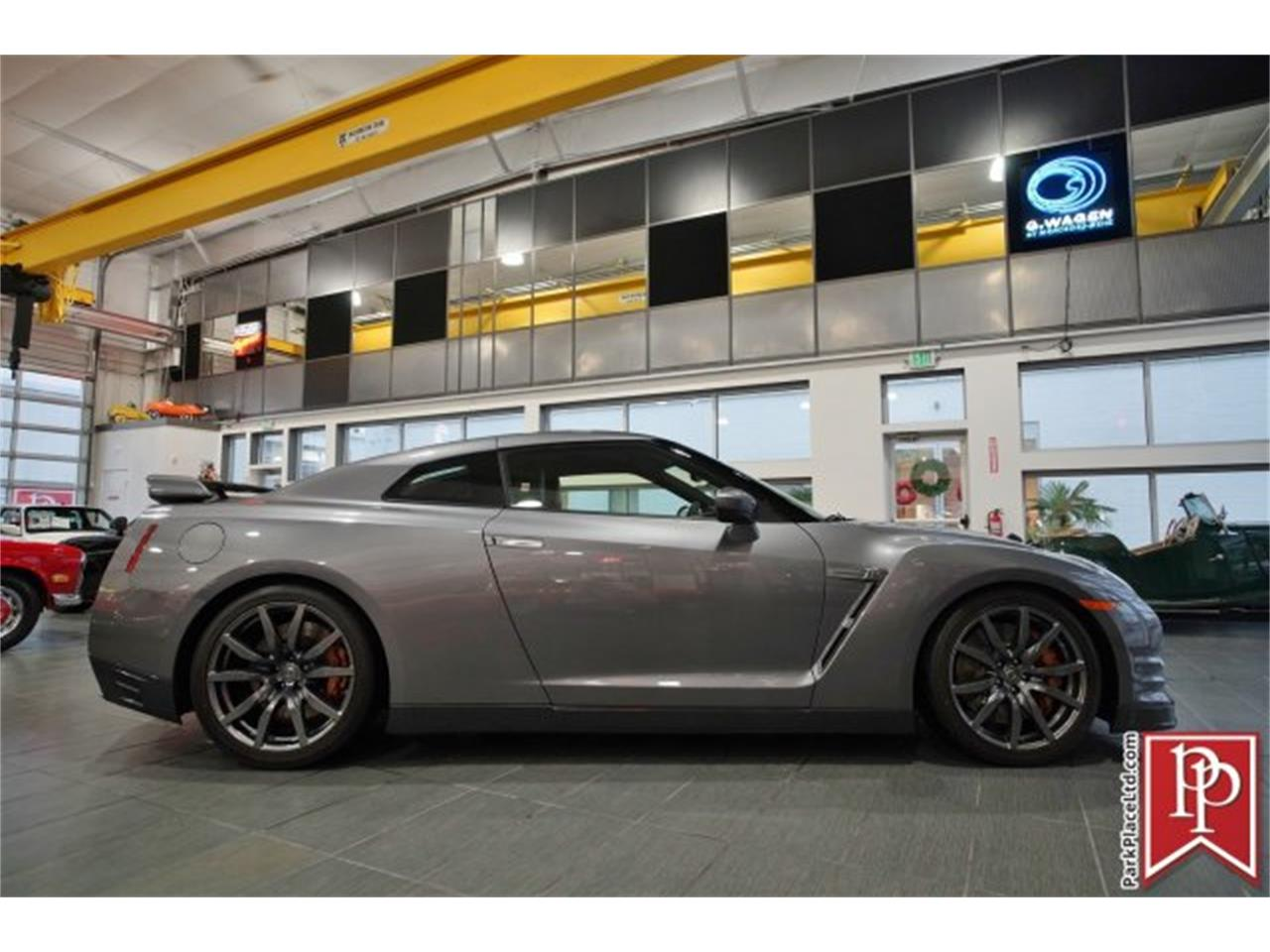 Large Picture of '14 Nissan GT-R located in Bellevue Washington - MCTA