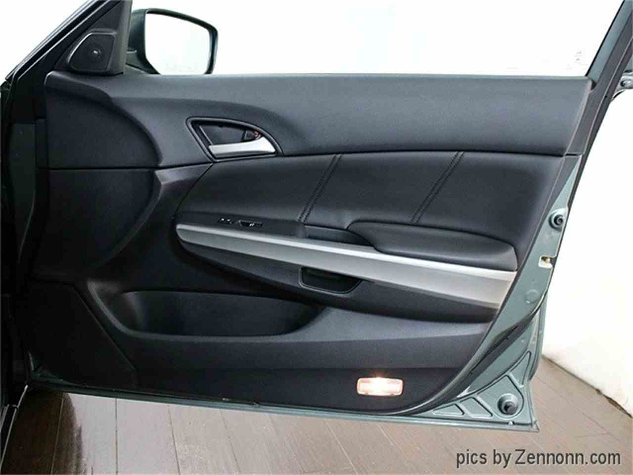 Large Picture of '08 Honda Accord Offered by Auto Gallery Chicago - MCTJ