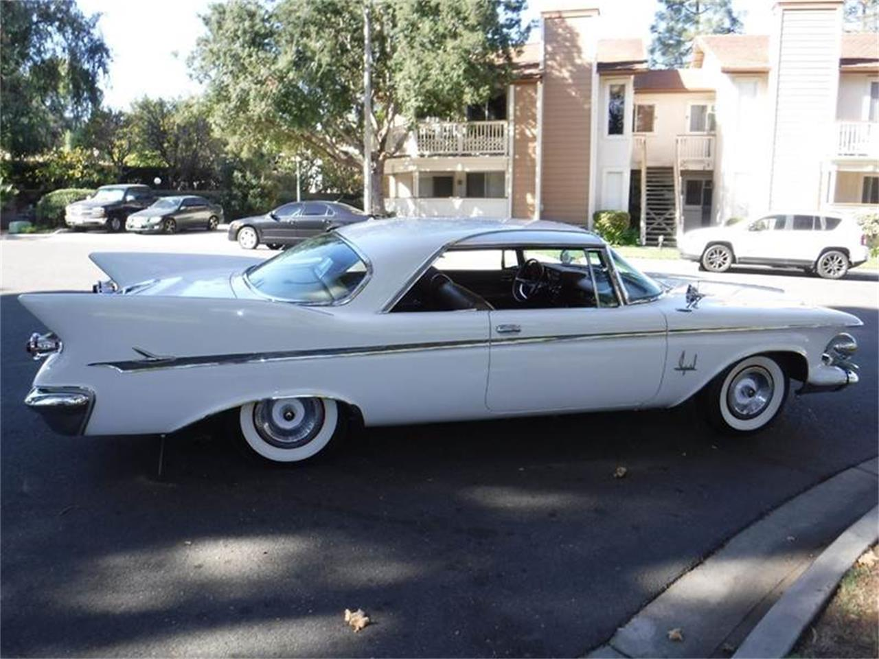 Large Picture of Classic 1961 Chrysler Imperial Offered by Allen Motors, Inc. - MCTX